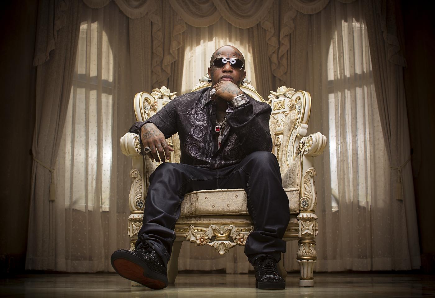 Video Birdman Ft Lil Wayne Nicki Minaj Mack Maine Future Tapout